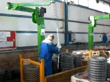 Manipuladores INDEVA para el agarre, elevación y reposicionamiento de piezas mecánicas de forma segura y ergonómica, sin esfuerzo.