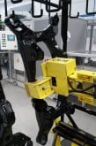 Pneumatic manipulator for automotive industry
