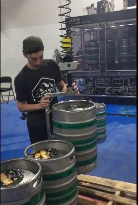 lift assist device for handling beer drums