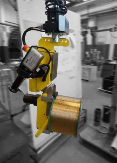 Snadná a bezpečná manipulace s kovovými cívkami díky inovativním zvedacím systémům INDEVA. Průmyslové manipulátory nabízené firmou Scaglia INDEVA ve skutečnosti vynikají mimořádnou použitelností, ergonomií a přizpůsobivostí pro jakékoli aplikace a prostředí díky velkému množství různých typů montážních a upínacích nástrojů.