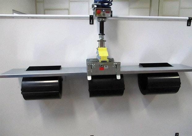Manipulace a umístění elektromechanických zařízení