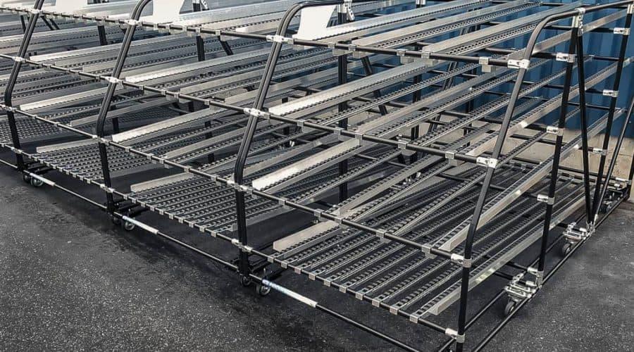 Naše dynamické válečkové dopravníky umožňují optimální využívání dostupného prostoru v skladovacích a výrobních odděleních, čímž významně zlepšují přísun materiálů.